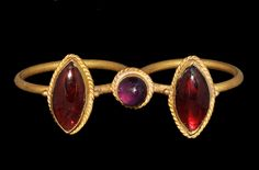 Hellenistic Greek Gold Double Ring with Garnets and Amethyst, 2nd-1st Century BC