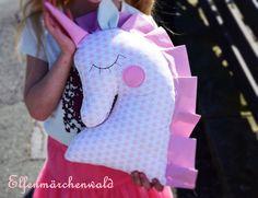 Wunderschönes Kuscheltier Einhorn für die gemütliche Kuschelecke mit liebevoll genähter Ein Name kann auf die Vorderseite appliziert werden. 5 Buchstaben sind kostenlos jeder weitere kostet... Sewing Toys, Sewing Crafts, Sewing Projects, Unicorn Gifts, Unicorn Party, Crafts For Girls, Crafts To Make, Baby Shower Baskets, Unicorn Pillow