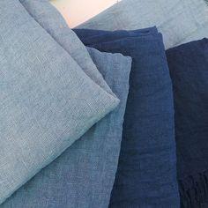 Pañuelos de lino teñidos a mano con índigo ecológico  certificado GOTS *** Linen scarfs hand-dyed with organic indigo GOTS certified #SlowTextileConcept #Tinctórea