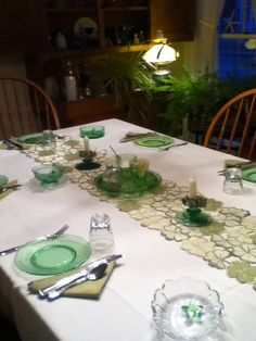 Table setting st pats day at ripples inn