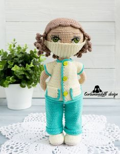 The pattern consists of 21 pages in PDF format. The Doctor outfit pattern consists of 24 pages in PDF format. The Eyes pattern consists of 5 PDF pages Crochet Doll Clothes, Knitted Dolls, Doll Clothes Patterns, Crochet Dolls, Doll Patterns, Clothing Patterns, Doll Tutorial, Amigurumi Tutorial, Photo Tutorial