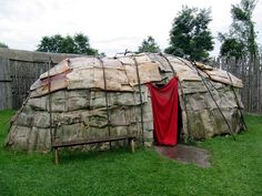 Aboriginal Wigwam, Sainte-Marie among the Hurons was a French Jesuit settlement… Native Canadian, Canadian History, Huron Indians, Huron Wendat, Navajo, Native American Indians, Native Americans, Art Ancien, Midland Ontario