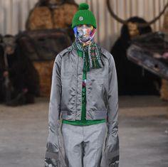 💥ОСЕНЬ🍁-ЗИМА ⛄ 2017/2018 НЕДЕЛЯ МОДЫ: ПАРИЖ✨✨✨✨✨КОЛЛЕКЦИЯ 👏Walter Van Beirendonck   🤗Интересная получилась коллекция! Необычные модели! А как вам друзья!  Напишите нам в комментариях! Нам важно ваше мнение!🤗     Фото: vogue.ru  #style4man_com #fashion_style4man_com #мужскаямода #мужскаямода2018 #mensfashion #mensfashion2018 #streetstylemen #неделямоды#fashionweeks#menfashionweek#коллекция #vogue #mensfashion #sweater #vogue#WalterVanBeirendonck @WalterVanBeirendonck#Walter…