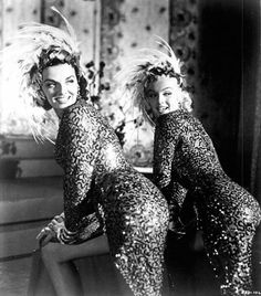"""Old Hollywood films make me happy, a rainy day and a duvet while I wait for Spring to arrive! Marilyn Monroe and Jane Russell in Howard Hawks' film, """"Gentlemen Prefer Blondes,"""" 1953 Jane Russell, Golden Age Of Hollywood, Vintage Hollywood, Hollywood Glamour, Classic Hollywood, Gentlemen Prefer Blondes, Brigitte Bardot, Glamour Hollywoodien, Vintage Glamour"""