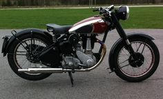 British Motorcycles, Vintage Motorcycles, Motorcycles For Sale, Bsa Motorcycle, Old Bikes, Vintage Bikes, Scooters, Bobber, Motorbikes