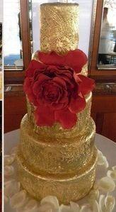 Alec Baldwin and Hiliaria Thomas wedding cake