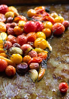 Slow Roasted Tomatoes in Olive Oil by heartbeekitchen #Tomatoes #Olive_Oil