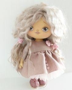 Куклы ручной работы от Ирины Строминовой Rag Dolls, Handmade Dolls, Princess Peach, Crochet, Pretty, Fictional Characters, Ideas, Softies, Fabric Dolls