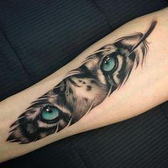 48 Delicate Dieren Tattoo ideeën die zal u Inspiration - Tattoos - # Ani . 48 Delicate Dieren Tattoo ideeën die zal u Inspiration - Tattoos - # Ani . Feather Tattoo Design, Feather Tattoos, Forearm Tattoos, Body Art Tattoos, New Tattoos, Tribal Tattoos, Hand Tattoos, Cool Tattoos, Awesome Tattoos