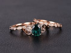 Emerald Engagement Ring Set Oval Cut Emerald Ring Set and Two Milgrain Wedding Bands Bridal Wedding Ring Set Rose Gold Vintage Oval Engagement Rings, Emerald Ring Vintage, Emerald Wedding Rings, Deco Engagement Ring, Emerald Jewelry, Engagement Ring Settings, Wedding Bands, Bridal Bands, Rose Gold