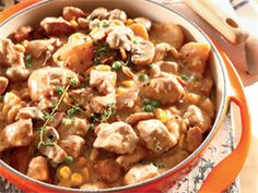 Romerige hoender-en-groentebredie Braai Recipes, Slow Cooker Recipes, Cooking Recipes, Healthy Recipes, Healthy Food, Chicken Vegetable Stew, Chicken And Vegetables, South African Recipes, Ethnic Recipes