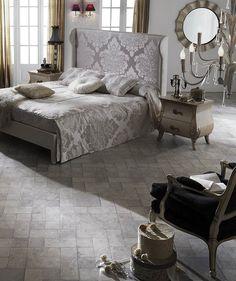 Las #tarimas #laminadas Palatino Grison AC6 de la colección Único de #Faus crean una decoración inspirada en los palacios reales ¡Es muy encantador!