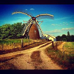 When I made a panorama photo it failed and this windmill distorted!