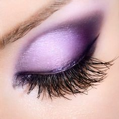 It's Friday! Let's get this party started beauties! Purple is the new black. #smokey #eye #makeup #beauty #trends