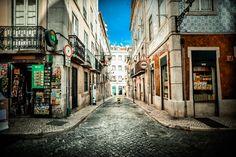 He folks! Greetings from Lisboa! (:  Lisboa, Portugal