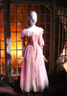 By John Corrado Back on October I had the opportunity to visit Disney's Cinderella: The Exhibition, an amazing collection of costumes and props from their upcoming live action fairy tal… Cinderella 2015, Cinderella Pink Dress, Cinderella Live Action, Cinderella Movie, Disney Costumes, Movie Costumes, Theatre Costumes, Pretty Dresses, Beautiful Dresses