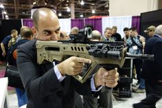 Israel_Weapon_Industries_IWI_Tavor_SAR_Semi-Auto-Only_Tactical_Carbine_Rifle_IWI_Tavor_TAR-21_Assault_Rifle_Carbine_SHOT_Show_2013_David_Crane_DefenseReview.com_DR_24.jpg (2000×1333)