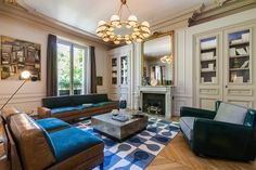 Paris is a place where beauty and style are valued above perhaps all else. That means that when we able to look inside of a Parisian apartment through the eyes