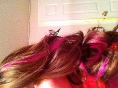 Brown hair with pink highlights #beauty #hair #brunette