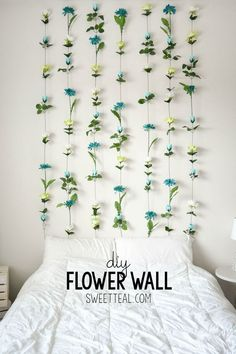 How pretty to have a wall of fresh flowers in your home?! It's not very realistic or long lasting but its swoon worthy. It's also very easy to recreate it with fake flowers!