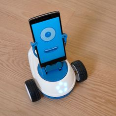 Robobo con smartphone conectado