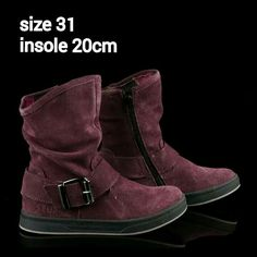 READY STOCK KIDS LEATHER BOOTS KODE : PURPLE AMIGO Boots Size 31 PRICE : Rp.225.000,- AVAILABLE SIZE (insole) : - Size 31 (20cm)  Material : Full Leather (Genuine Leather/Kulit Asli),Sol karet lentur. Ringan dan nyaman sesuai utk anak-anak.  Insole = panjang sol dalam. Ukurlah panjang telapak kaki anak, beri jarak minimal 1,5cm dari insole.  FOR ORDER : SMS/Whatsapp 087777111986 PIN BB 766A6420 Facebook : Mayorishop  #pusatsepatubootsanak #readystock #sisaekspor #originaleuropebrand…