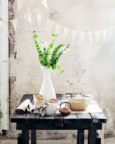 via Beautiful Table Styling ♥ Вдъхновяващ стайлинг на маса | 79 Ideas - a blog about decoration, design, decor, fashion, food and other pretty things)