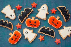 These frightfully fun activities are a great way to share Halloween with your little one, from getting dressed up as favourite characters to reading cosy stories together. Halloween Sweets, Halloween Party, Yummy Treats, Sweet Treats, Ghost Cupcakes, Shaped Cookie, Halloween Coloring, Some Fun, Fun Activities