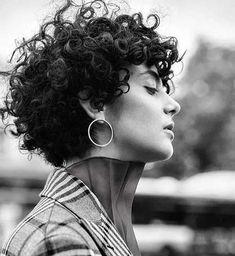 Curly Hair Styles, Стрижка Вьющихся Волос, Длинные Вьющиеся Волосы, Волнистые Волосы, Короткие Стрижки, Короткая Стрижка Для Вьющихся Волос, Короткие Кудрявые Стрижки, Новая Прическа