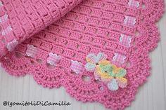 Crochet blanket with block stitch Crochet Shrug Pattern, Crochet Square Patterns, Baby Afghan Crochet, Baby Girl Crochet, Crochet Baby Clothes, Crochet Blanket Patterns, Baby Knitting Patterns, Baby Patterns, Hand Crochet