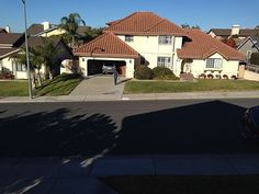 Pismo Beach VRBO /4bd/2.5ba/$350-not many pictures, but living room seems spacious