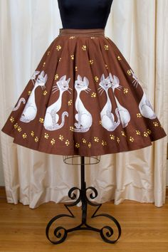 1950's Circle Skirt // Sly Cats and Paw Lady and the Tramp Print Novelty Skirt