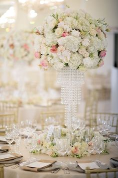 Timeless wedding in cream, gold and blush by Splendid Wedding Company. Photography by Ryan Graham