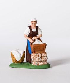 Santon Campana - La lavandière Picnic, Craft, Basket, Sculpture, Nativity Sets, Nativity Scenes, Holy Night, Chocolate Cups, Christmas Carol