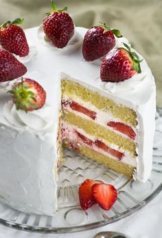 Strawberry Shortcake Cake - layers of dense, buttery and moist vanilla cake filled with fresh whipped cream and fresh sliced strawberries. Easy spring ( or summer ) dessert recipe to celebrate the arrival of my favorite season. Summer Dessert Recipes, Just Desserts, Delicious Desserts, Yummy Food, Moist Vanilla Cake, Strawberry Shortcake Recipes, Strawberry Shortcake Birthday Cake, Strawberry Vanilla Cake, Savoury Cake