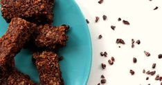 Looking for a bake that accomapnies your coffee? Then these cinnamon and cocoa bars are just the thing.