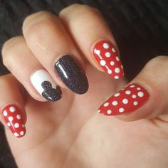Are you looking for cute disney nail art designs 2018? Nail designs like cute Mickey Mouse, beautiful Cinderella, and icy Frozen will surely brighten up your day just by looking at your nails! #SummerNails