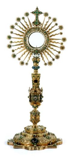 "The monstrance of the San Ignacio Church in Bogotá, Colombia, commonly known as ""The Lettuce"", weighs 4,902.60 gramms and has 1,485 emeralds, 1 sapphire, 13 rubies, 28 diamonds, 62 baroque pearls, and 168 amethysts."