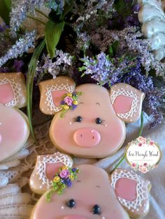 Pig cookies, country cookies, farm cookies, decorated cookies Farm Cookies, Iced Cookies, Cute Cookies, Easter Cookies, Royal Icing Cookies, Cupcake Cookies, Christmas Cookies, Piggy Cake, Iced Biscuits