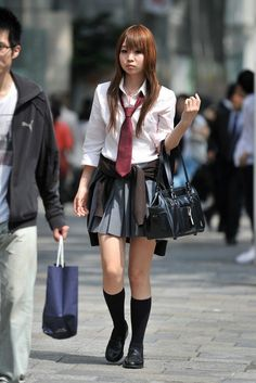 School Girl Japan, All Girls School, School Girl Dress, School Dresses, School Uniform Girls, Girls Uniforms, High School, Gyaru Fashion, Japanese School Uniform