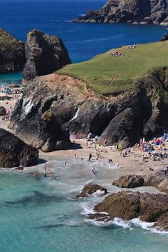 Kynance Cove, Cornwall, England - seepicz - See Epic Pictures Cornwall England, Devon And Cornwall, Places To Travel, Places To See, Cornwall Beaches, Into The West, British Countryside, England And Scotland, To Infinity And Beyond