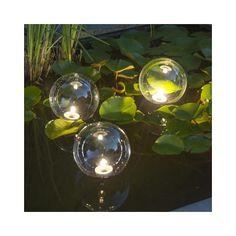 Floating lights  http://www.okazje.info.pl/okazja/dom-i-ogrod/ubbink-plywajace-oswietlenie-oczka-wodnego-x3-403728.html