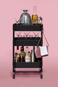 Ideas For Kitchen Bar Ikea Raskog Cart Ikea Bar Cart, Diy Bar Cart, Gold Bar Cart, Bar Cart Decor, Bar Carts, Ikea Trolley, Drinks Trolley Ikea, Black Bar Cart, Raskog Ikea