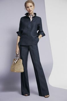 Carolina Herrera Official Website is part of Fashion - Mode Outfits, Chic Outfits, Looks Black, Elegantes Outfit, Mode Chic, Business Attire, Business Ideas, Work Attire, Work Fashion