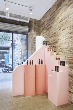 Deliactessen X Sex Shop by Miriam Barrio Studio. Retail Store Design, Retail Shop, Display Design, Booth Design, Shop Interior Design, Interior Design Living Room, Etagere Design, Retail Fixtures, Beauty Salon Decor