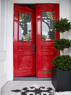 Front Door Paint Colors - Want a quick makeover? Paint your front door a different color. Here a pretty front door color ideas to improve your home's curb appeal and add more style! Decor, Doors, Red Front Door, House Exterior, Windows And Doors, House Design, Pretty House, Painted Front Doors, Color