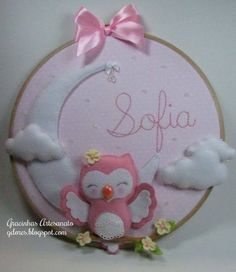 Embroidery hoop craft in felt and fabric Wall art decoration Owl Crafts, Baby Crafts, Diy And Crafts, Crafts For Kids, Embroidery Hoop Crafts, Embroidery Art, Baby Decor, Nursery Wall Decor, Sewing Projects