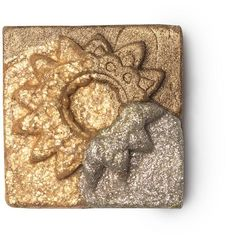 Shades Of Gold Frankincense And Myrrh Lip Tint. Festival Makeup Glitter, Lush Fresh, Hippie Flowers, Custom Shades, Handmade Cosmetics, Shades Of Gold, Prevent Wrinkles, Lip Tint, Makeup Videos