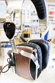 WOODON-EAR, wooden On-Ear Headset mit Kabelmikrofon und Funktionstaste, Walnuß