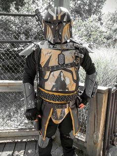 Mandalorian Costume, Mandalorian Armor, Cosplay Armor, Cosplay Costumes, Stealth Suit, Star Wars Characters Pictures, Star Wars Novels, Armor Concept, Rpg
